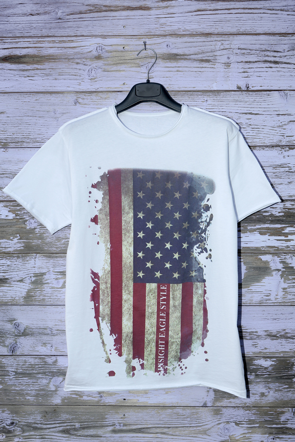 Tshirt mens fashion   graphic usa flag   ies insight eagle style   made in italy   natural cotton   hanging vertical